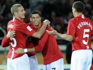 61281_pemain_manchester_united_merayakan_gol_thumb_300_225