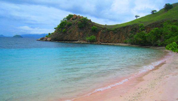 pantai di dunia memiliki keunikan tersendiri sehingga warna yang